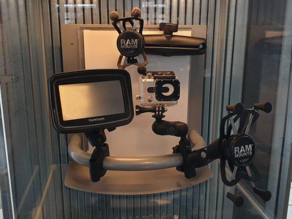 Accessoires en gadgets voor op jouw motor bij Fris Motorservice Amsterdam